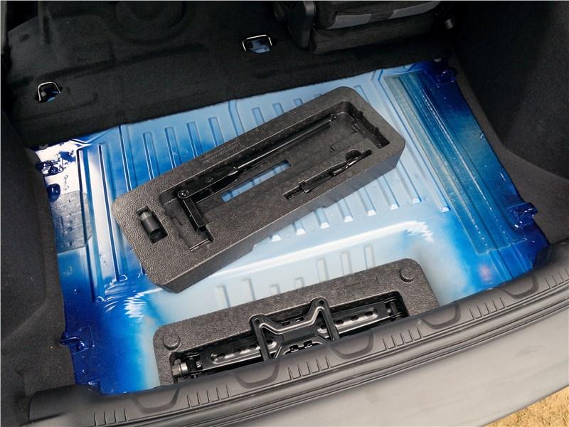 Ford EcoSport 2013 багажное отделение
