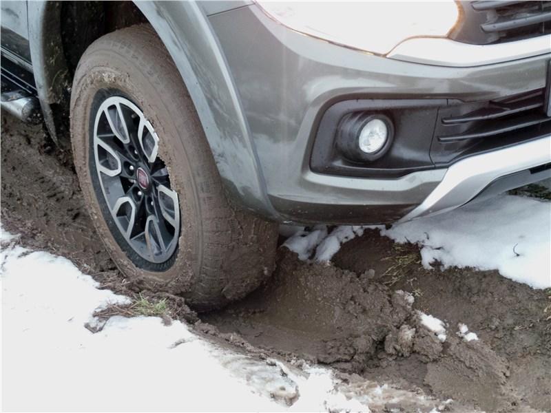 Fiat Fullback 2016 переднее колесо