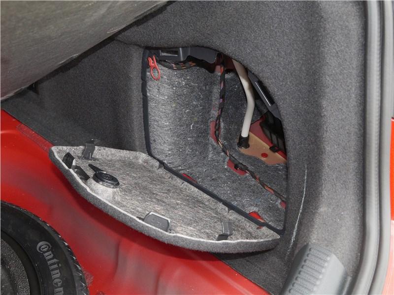 Audi A3 Sedan 2017 багажное отделение