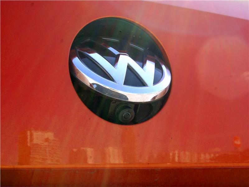 Volkswagen Passat Alltrack 2016 видеокамера