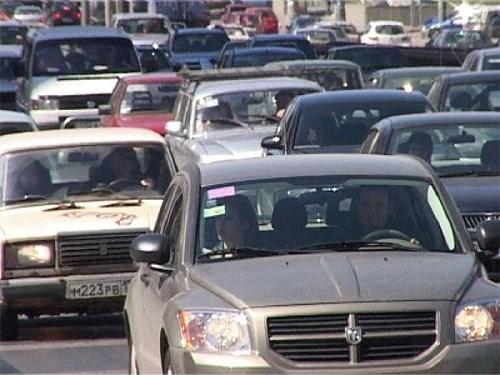 В России иномарки в среднем на пять лет моложе отечественных автомобилей