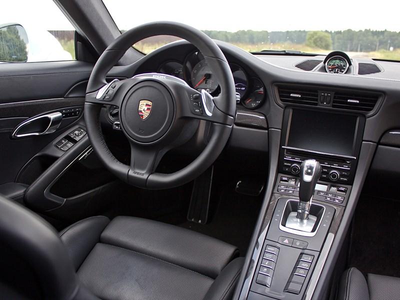 Porsche 911 Carrera 4S 2012 водительское место