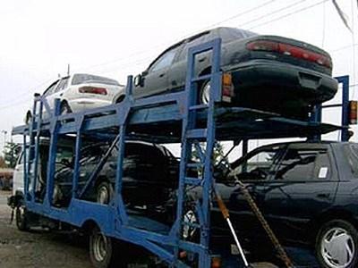 Импорт легковых автомобилей в Россию снижается, экспорт из России – растет