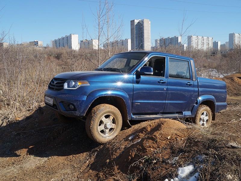 UAZ Pickup 2014 вид сбоку