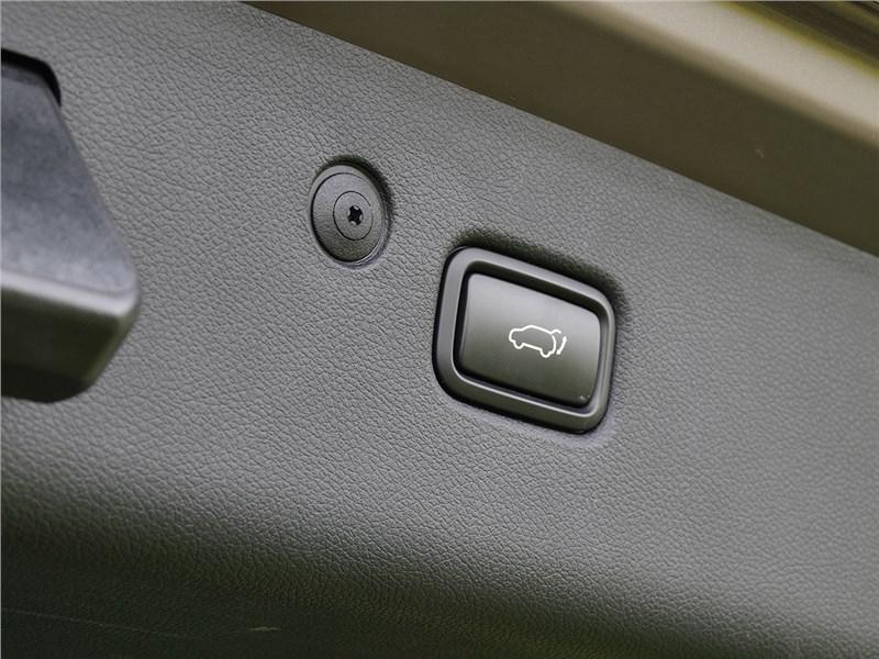 Kia Sportage 2016 электропривод двери багажника