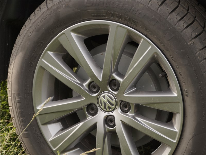 Volkswagen Polo Sedan 2016 колесо