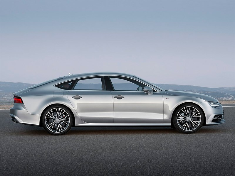 Audi A7 Sportback 2014 вид сбоку