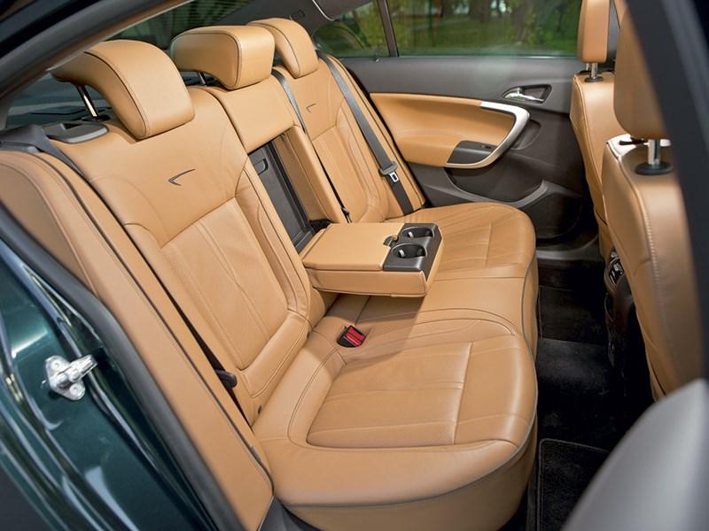 Opel Insignia 2014 задний диван