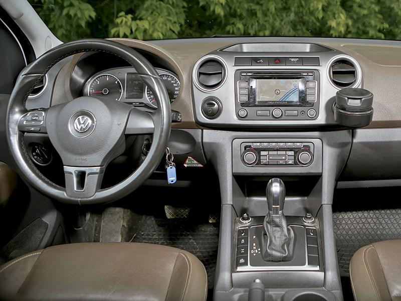 Volkswagen Amarok 2014 водительское место