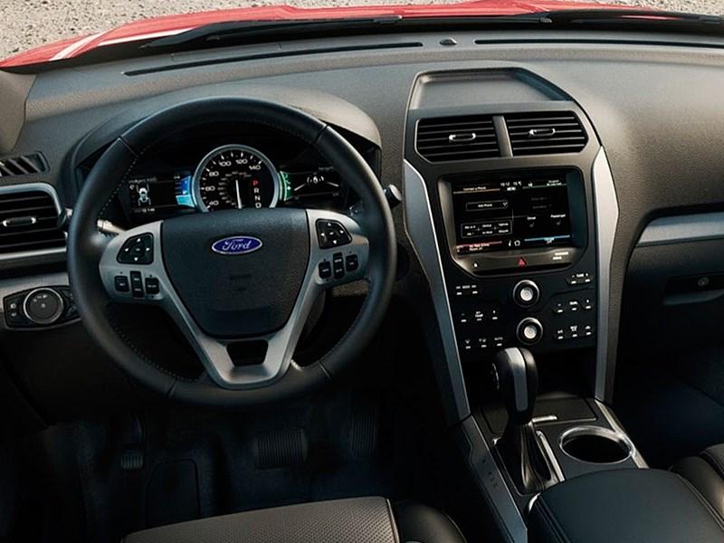 Ford Explorer 2015 водительское место