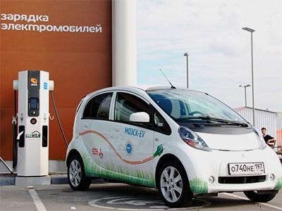 В столице появится 80 станций для зарядки двигателей электрокаров