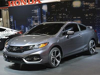 В США начались продажи рестайлинговой версии Honda Civic Si