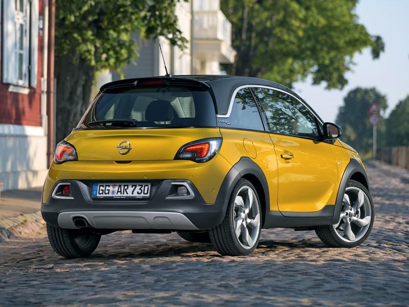 Opel Adam Rocks 2014 вид сзади