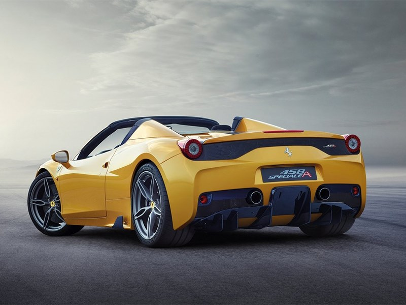 Ferrari 458 Speciale A 2014 вид сбоку сзади