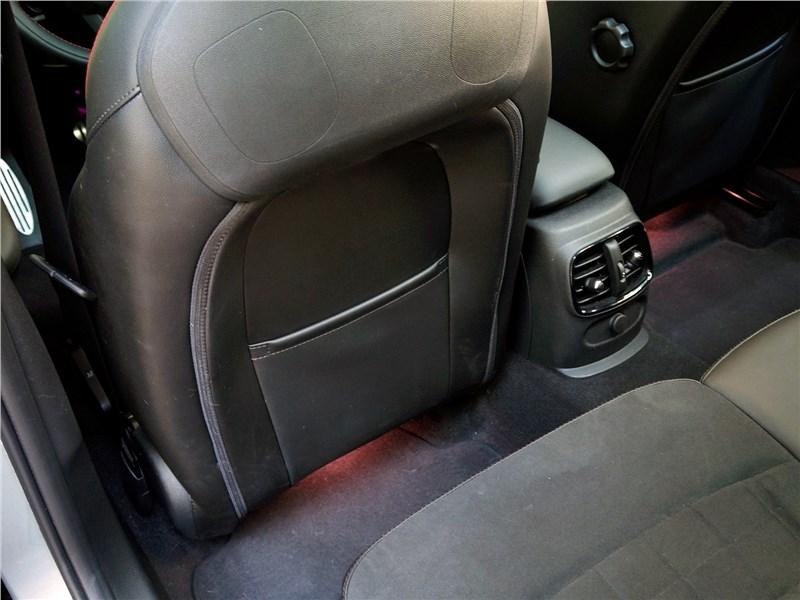 Mini Clubman Cooper S 2016 ниши в спинках передних кресел