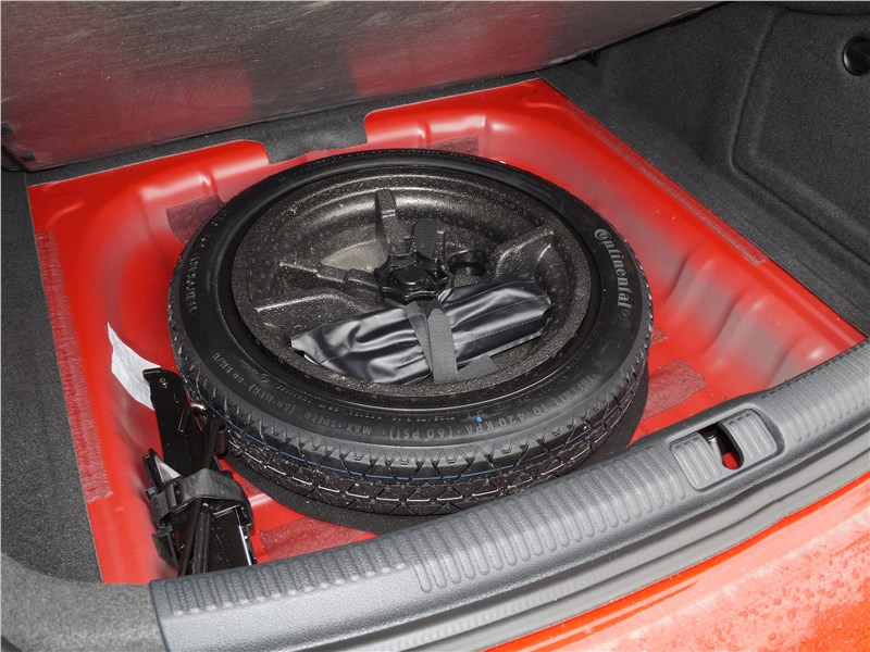 Audi A3 Sedan 2017 запасное колесо