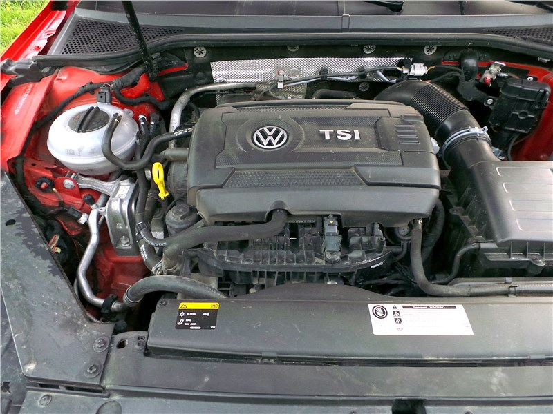 Volkswagen Passat Alltrack 2016 моторный отсек