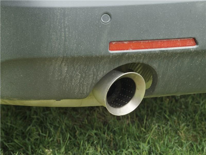 Chevrolet Traverse 2018 выхлопная труба