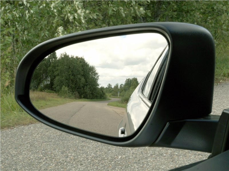 Toyota C-HR 2016 боковое зеркало
