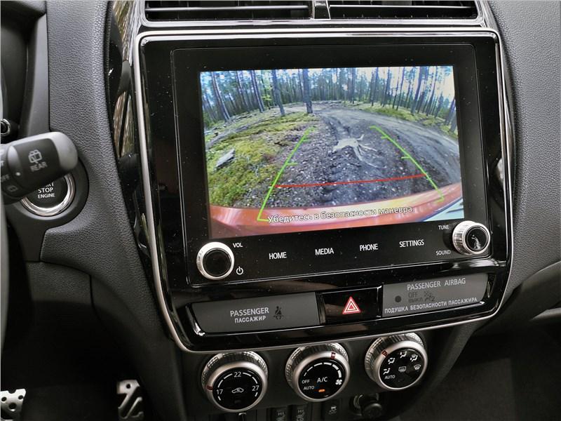 Mitsubishi ASX 2020 монитор