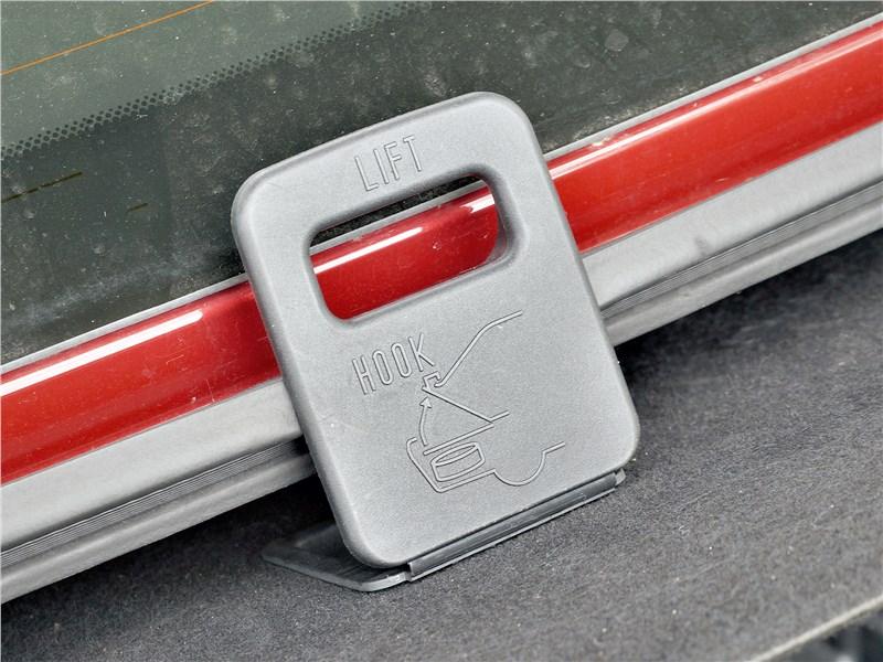 Lexus ES (2019) рукоятка
