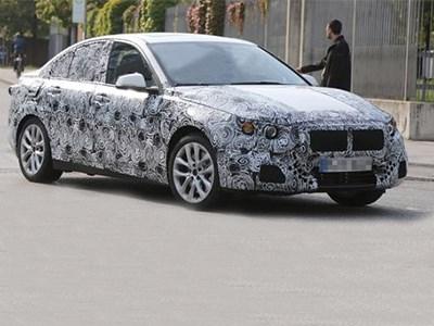 Седан BMW 1-Series в 2017 году станет полноприводным
