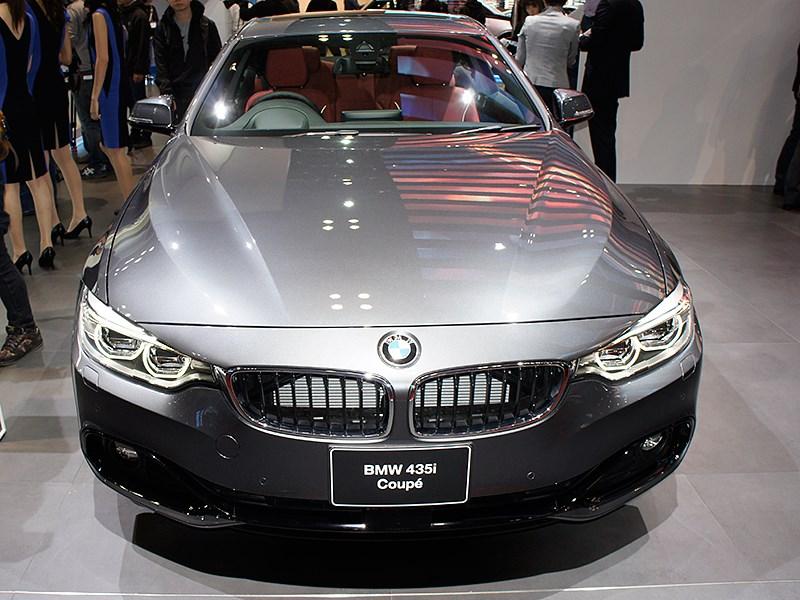 BMW 435i Coupe 2013 вид спереди сверху
