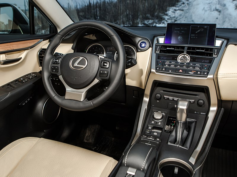 Lexus NX 300h AWD 2015 салон