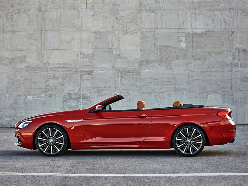 BMW 6-Series Convertible 2015 вид сбоку
