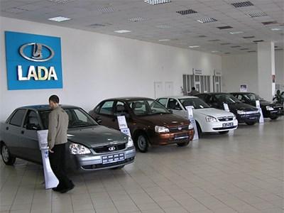 Спрос на автомобили Lada в России продолжает снижаться