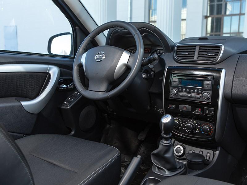 Nissan Terrano 2014 водительское место
