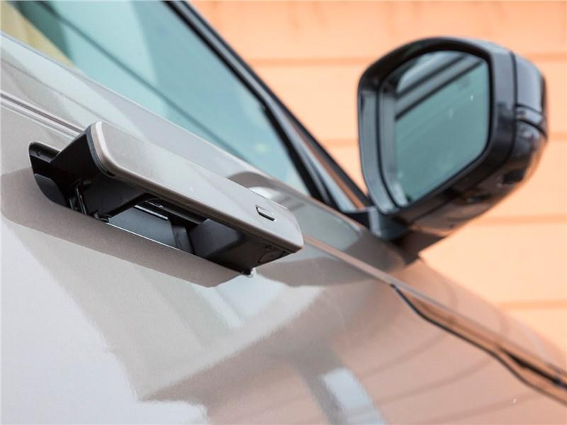 Range Rover Velar 2017 ручка двери
