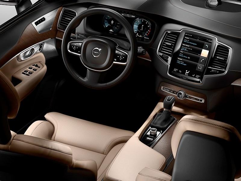 Volvo XC90 2015 водительское место