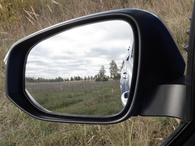 Toyota HiLux 2016 боковое зеркало