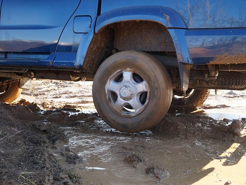 UAZ Pickup 2014 заднее колесо