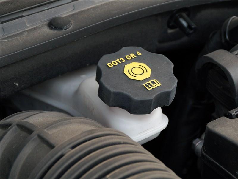 Kia ProCeed GT 2019 моторный отсек