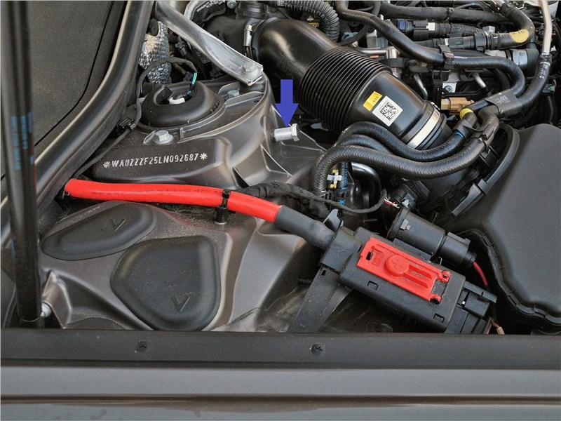 Audi A6 allroad quattro (2020) моторный отсек