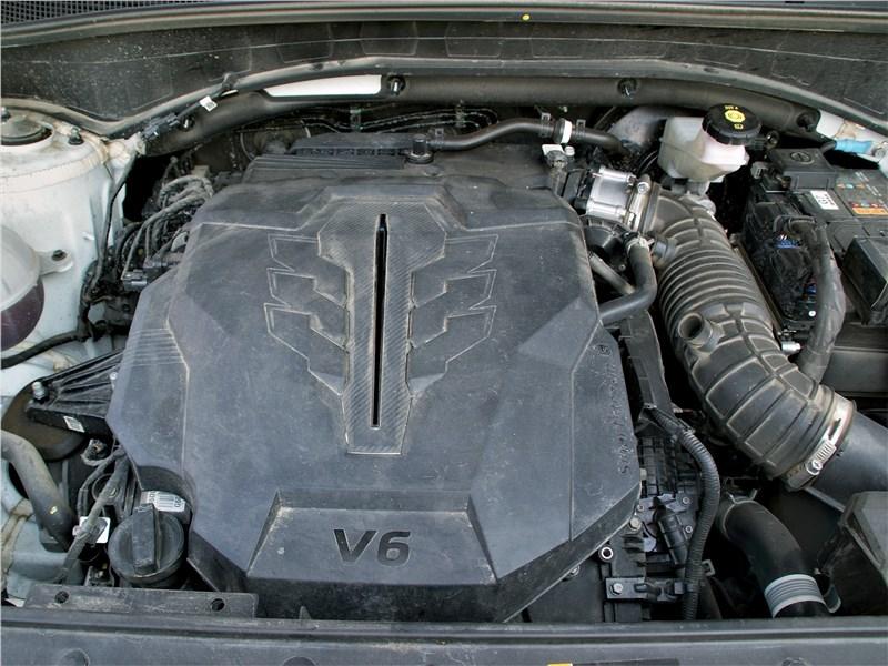 Hyundai Santa Fe (2021) моторный отсек