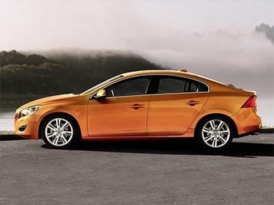 Длиннобазная модификация Volvo S60 теперь доступна и в США