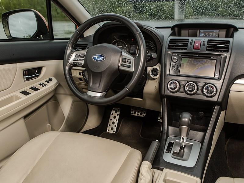 Subaru XV 2012 водительское место