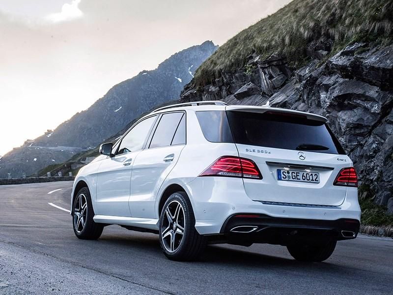 Mercedes-Benz GLE 2016 вид сзади