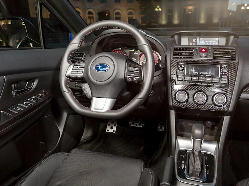 Subaru WRX 2015 салон