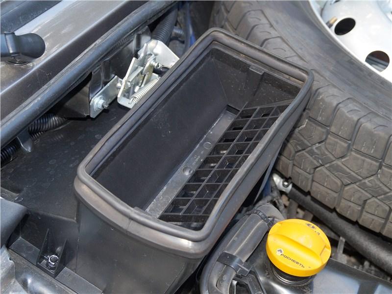 Lada 4x4 2017 моторный отсек
