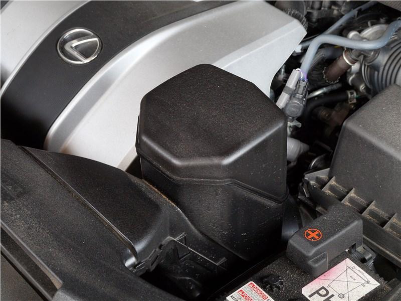 Lexus RX 350L 2018 моторный отсек