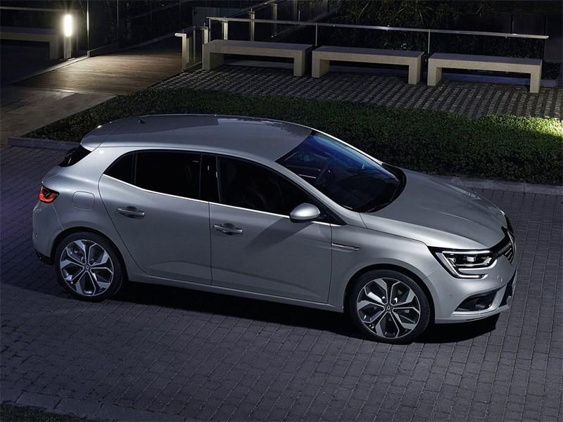 Renault Megane 2016 вид сбоку сверху