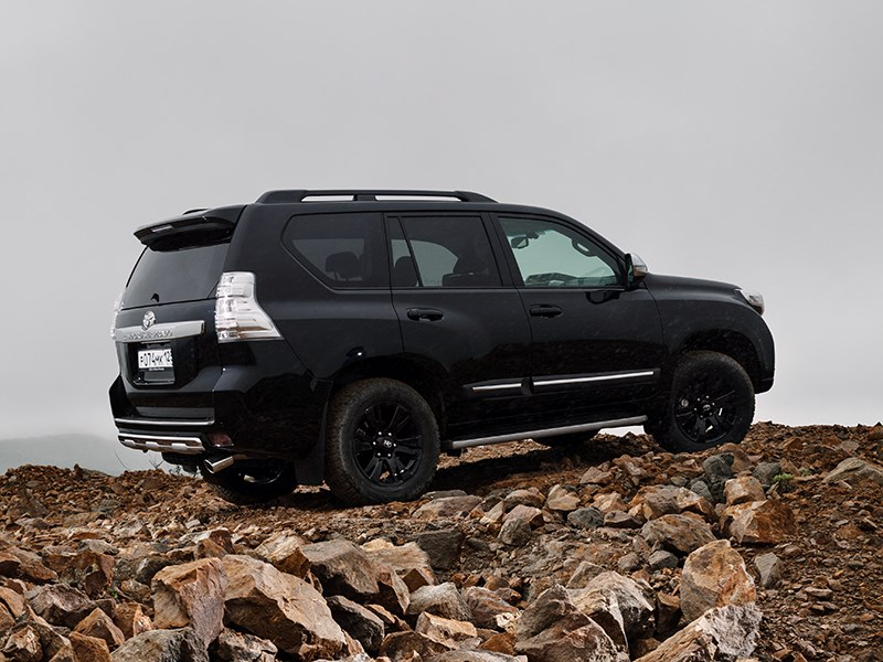Toyota Land Cruiser Prado 2014 вид сзади