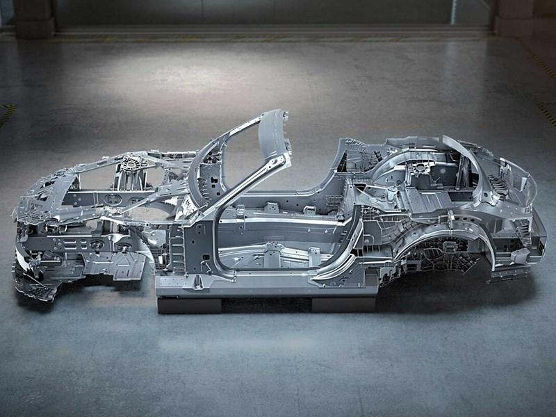Mercedes показал кузов нового AMG SL