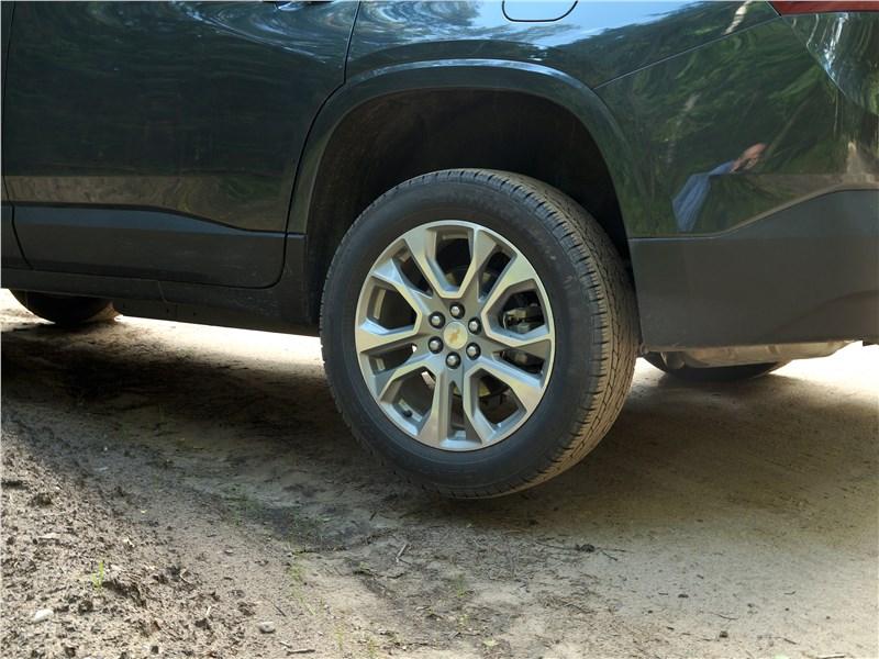 Chevrolet Traverse 2018 вывешивание