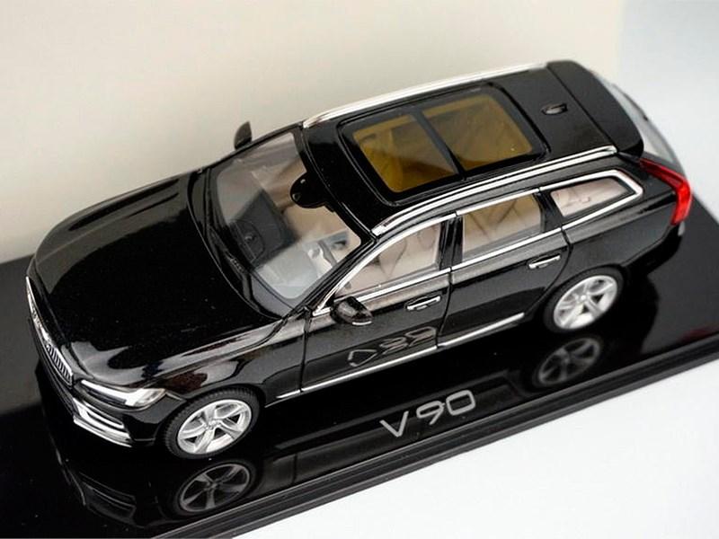 Презентация нового Volvo V90 состоится на месяц раньше