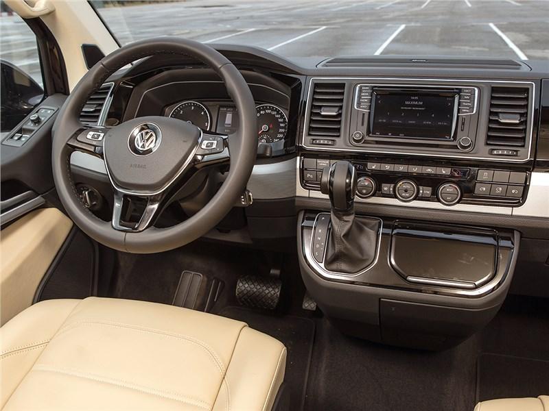 Volkswagen Multivan 2015 салон